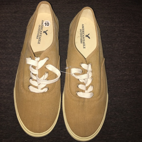 76cd6bfb5231 NWOT American Eagle Outfitters Men s sneakers